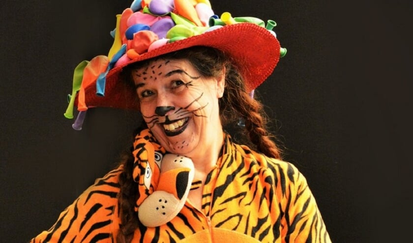 <p>&#39;Swoesjjj&#39; gaat over een tijgertje dat naar bed moet, maar daar geen zin in heeft. (Foto: Jan Stege.)</p>