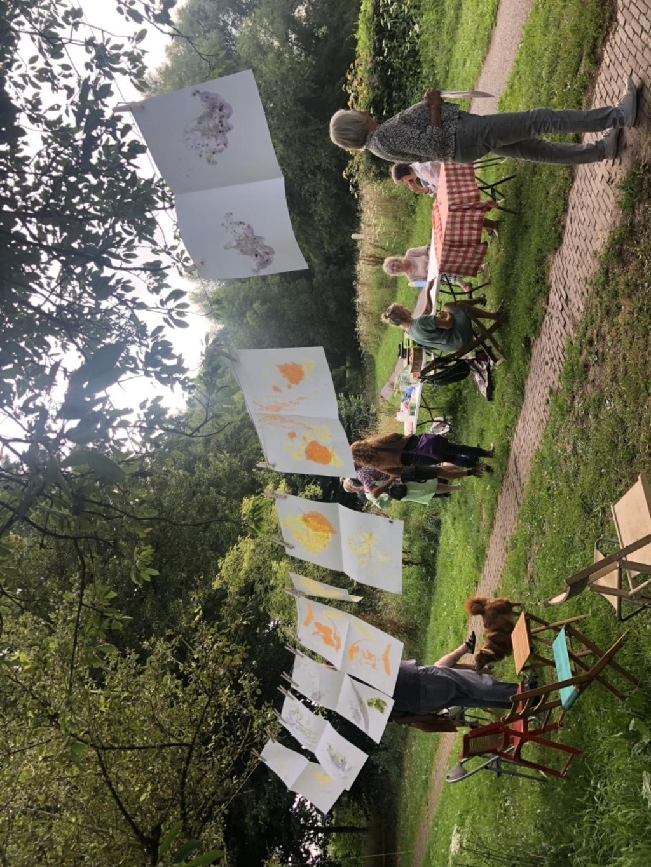 Resultaten van de workshop plantdrukken in de Heemtuin Foto: Ingrid Geesink © DPG Media