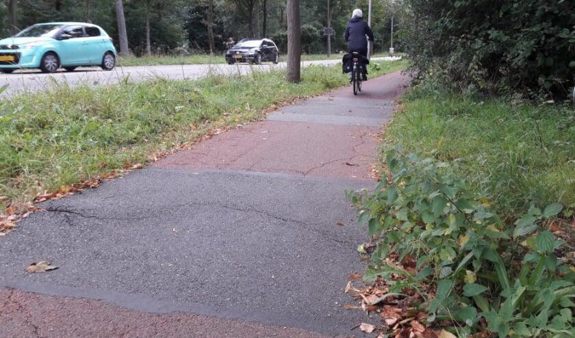 <p>De fietspaden langs de Keerkring zijn al jaren een bron van ergernis voor fietsers. (Foto: Jos Jacobs)</p>