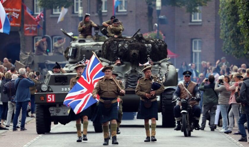 <p>&nbsp;Vorig jaar trokken een honderdtal Militaire voertuigen van Garden &rsquo;75, richting het Bevrijdingsmonument.&nbsp;</p>