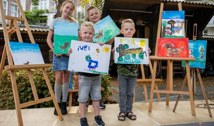 <p>Kinderen maakten schilderijen voor de expositie Hondjes in Muzee.&nbsp;</p>