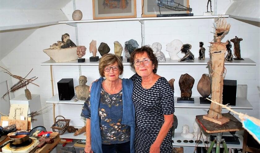 De bevriende kunstenaressen Ria Franc en Mariette van Berkel exposeren samen in het Boterkerkje op 12,13, 19 en 20 september.