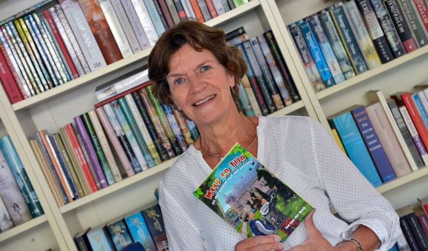 <p>Ina van der Beek schreef voor de Kinderboekenweek het actieboek &quot;Mees en Tijn en het geheim van het kasteel&quot;. Foto: Paul van den Dungen</p>