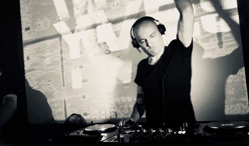 Tijdens het Grote Liemersfeest zou onder andere dj Yves Eaux een show geven. (foto: Elena Jarova)