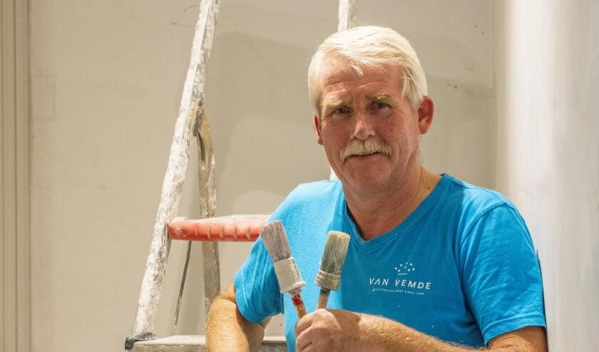 <p>Jan Rorije is 45 jaar werkzaam bij Van Vemde Schilderwerken in Epe. &quot;Het allermooiste aan mijn werk is de diversiteit, het aanpakken van het totaalpakket van schilderswerkzaamheden.&quot;&nbsp;</p>