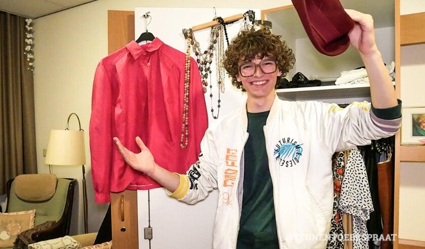 <p>De kleding wordt gebruikt voor het maken van kostuums voor mensen met dementie om te dragen tijdens een speciale fashionshow. </p>