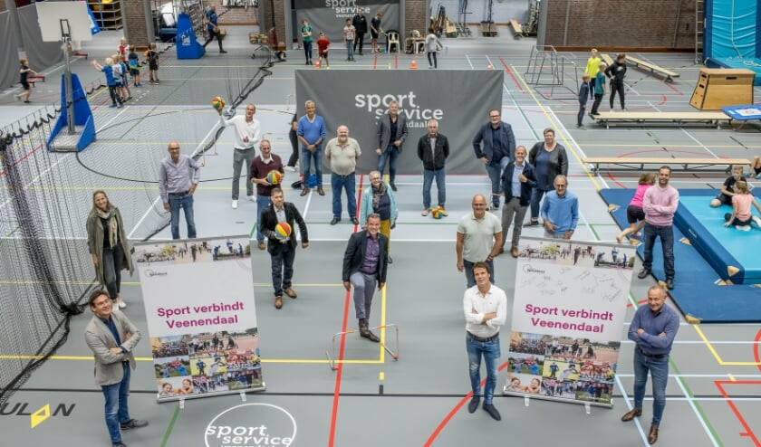 <p>De partners van het Sportakkoord bijeen.</p>