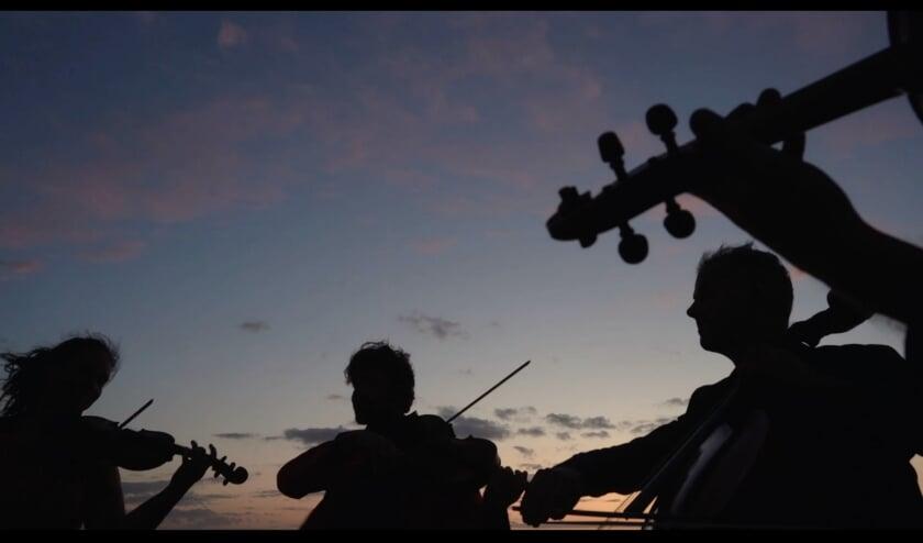 Concert bij zonsondergang