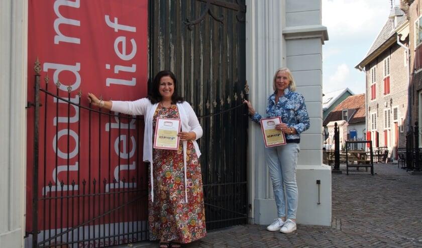 <p>Carla Regina en Ingrid Moons kunnen niet wachten om bezoekers te ontvangen in de Petruskerk.</p>
