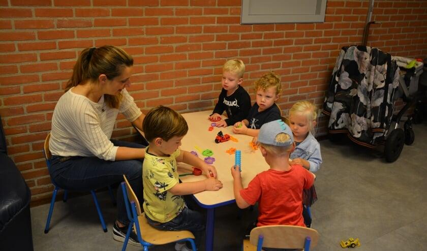<p>Het Mama caf&eacute; Alphen aan den Rijn bestaat 1 jaar. Foto: Joanne van &#39;t Hof</p>