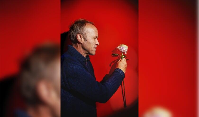<p>Bloemlezing 2020 van Stef Bos is de eerste voorstelling van dit theaterseizoen in het Isala Theater.</p>