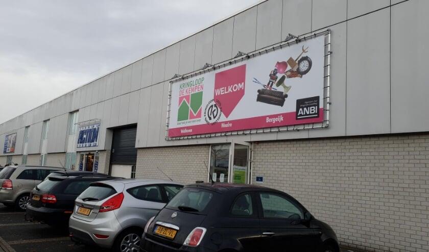 <p>De Kringloopwinkel aan de Burgemeester Mollaan.</p>