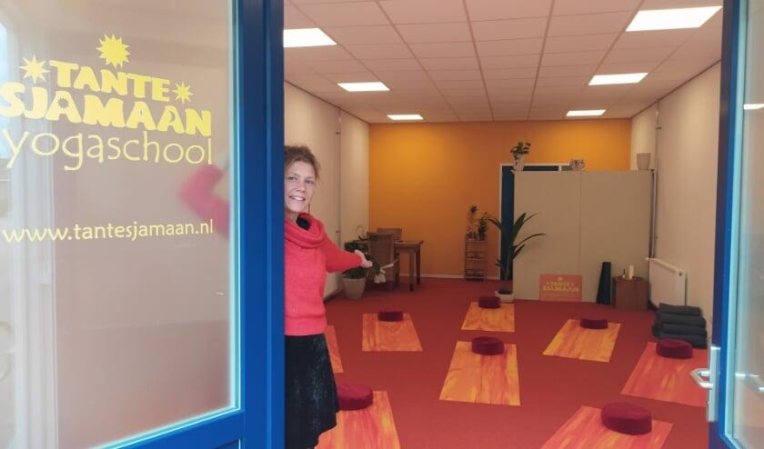 Dianne Varenbrink in Yogaschool Tante Sjamaan