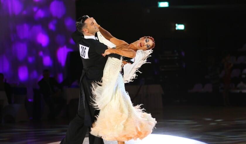 Ciccio Pecoraro en Jasmijn Pecoraro-van Jole Nederlandse kampioenen Professionals Standaard dansen