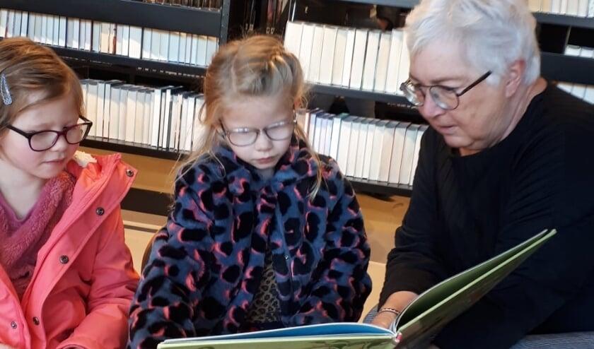 Er wordt weer voorgelezen in de bibliotheken in Zevenaar, Duiven én Westervoort. (Foto: PR)