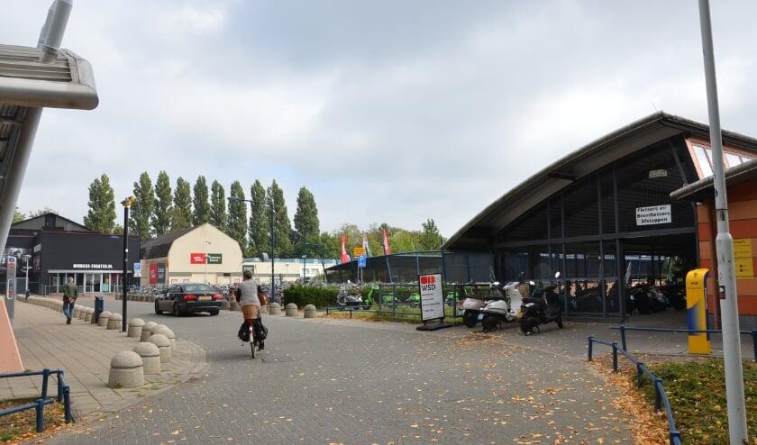 <p>De rommelige fietsenstaling bij Station Best krijgt binnenkort een opknapbeurt.</p>