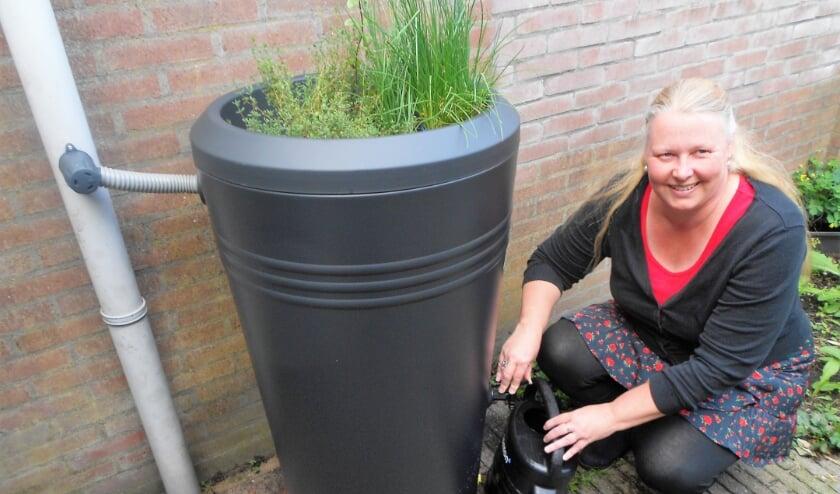 Else Laura Rademaker hoopt dat meer wijken het Hoogravense voorbeeld gaan volgen. (Foto: Bert Nijenhuis)