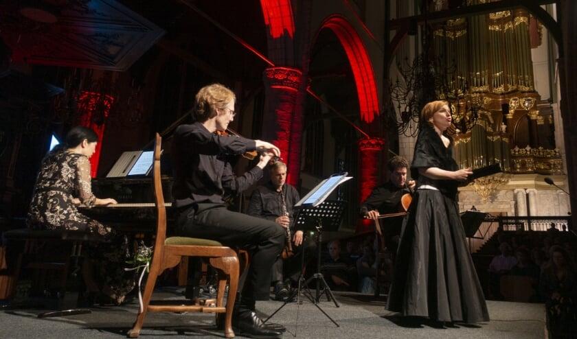 <p>Het concert van de Goudse Kamermuziek in een fraai uitgelichte Sint Jan. Foto: PR</p>
