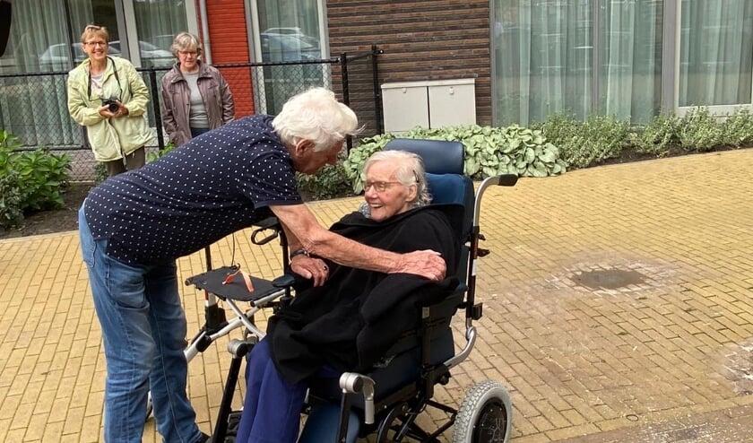 """<p>Gerard werd vorige week herenigd met zijn vrouw Riet. Schoonzoon Frans """"Ze straalden allebei van geluk</p>"""
