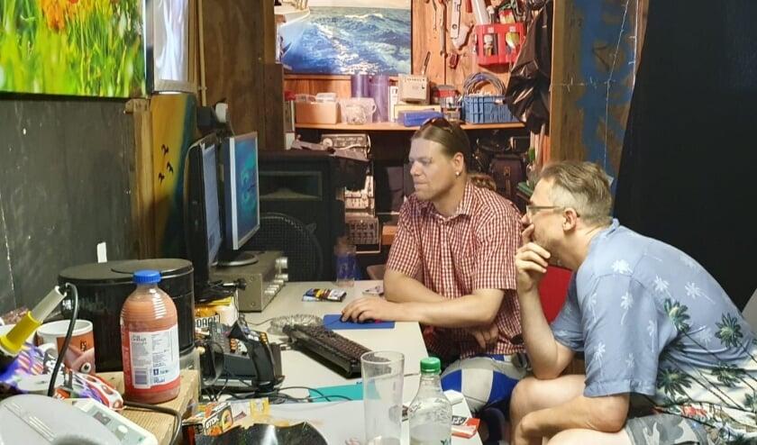 <p>De kunstenaars Jasper en Robert. (Foto: PR)</p>