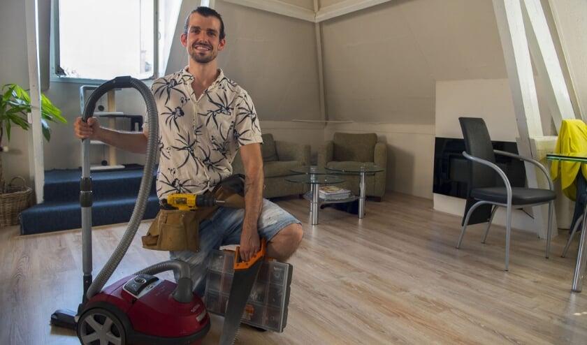 <p>Van stofzuigen tot zagen, Koen Matas pakt allerlei klussen aan. Hij is de bedenker van het klussenplatform HopJop.</p>