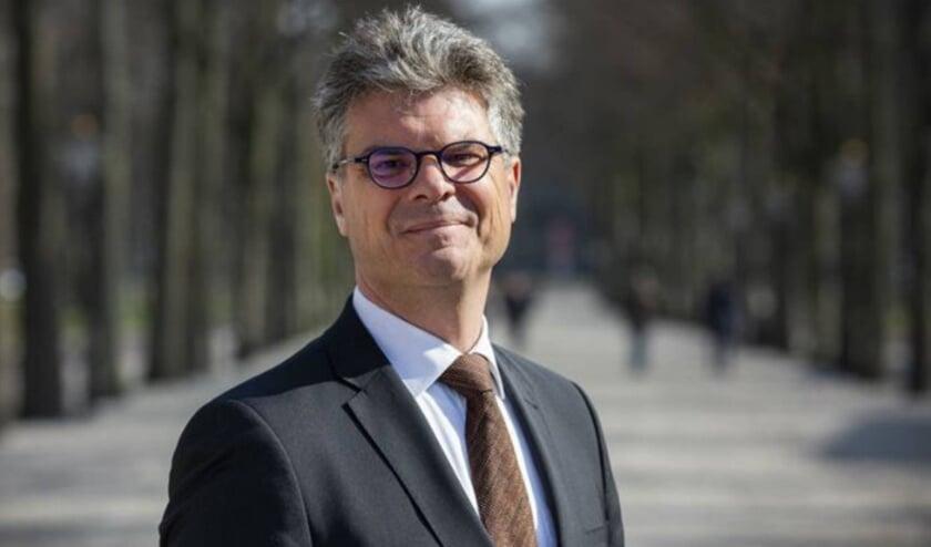 <p>Commissaris van de Koning Hans Oosters spreekt met kandidaten en maakt een selectie. Foto: Provincie Utrecht</p>