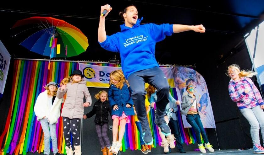 <p>Juvat Westendorp. Hij is danser en heeft een eigen dans Academy. (foto: Rob Voss)</p>