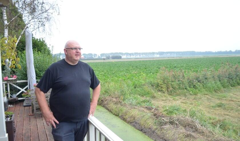 <p>Vanaf zijn terras aan de Essendijk heeft jachtopzichter Willem een fraai uitzicht over het Buijtenland van Rhoon.&nbsp;</p>