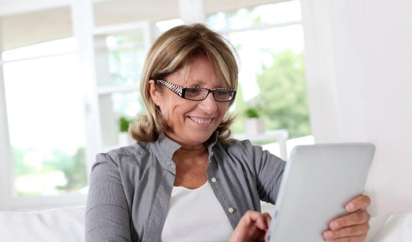 <p>In totaal hebben 4 op de 10 ouderen in de afgelopen maanden een vorm van online vermaak vaker gebruikt.</p>