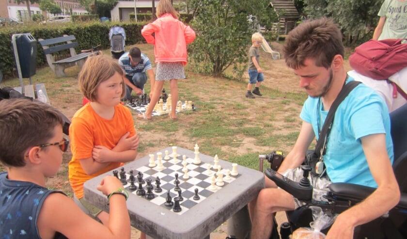 Bezoekers eerdere schaakinstuif