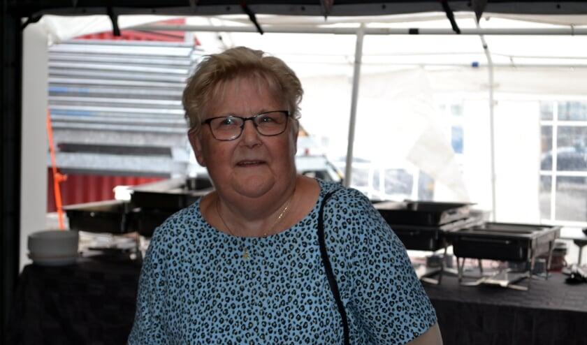 Mooi werk. Gerda Hoedeman redt wat er te redden valt, als je inboedel onverhoopt beschadigd is bij brand. (Ingezonden foto)
