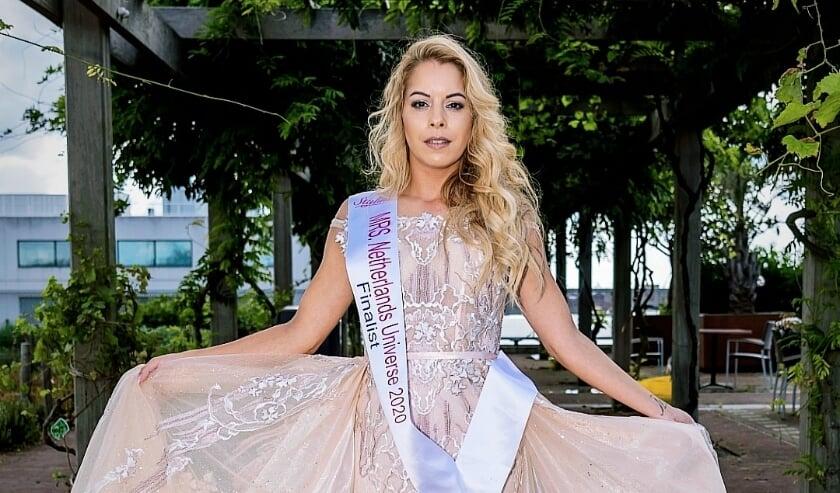 <p>Patricia Isaak uit Deventer staat binnenkort in de finale van Mrs Netherlands Universe op 4 oktober 2020 in Rijswijk.</p>