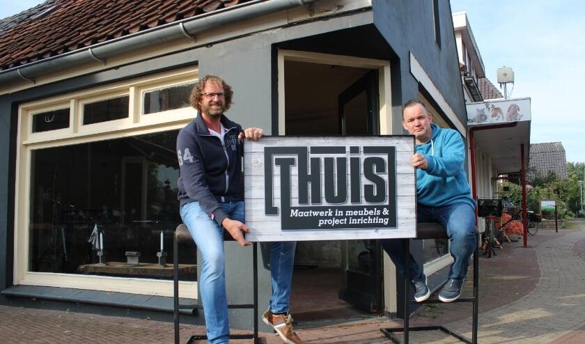 Anko Tempelman (links) en Marcel Pieper voor de showroom die zaterdag 3 oktober open gaat.