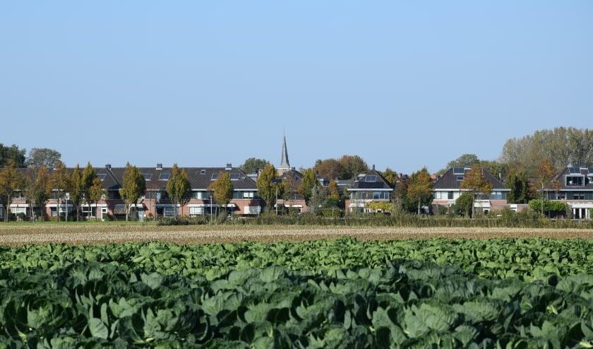Heerjansdam met in de verte de Dorpskerk, waar komend weekend wordt gestart met een nieuw seizoen. (Foto: M. van der Noll)