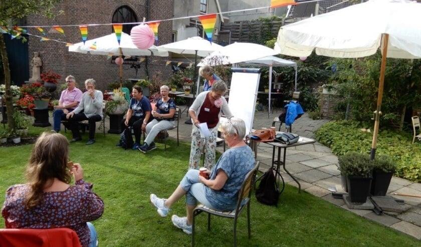 De eerst bijeenkomst van het roze netwerk Culemborg werd goed bezocht. Er blijkt veel belangstelling voor te bestaan.