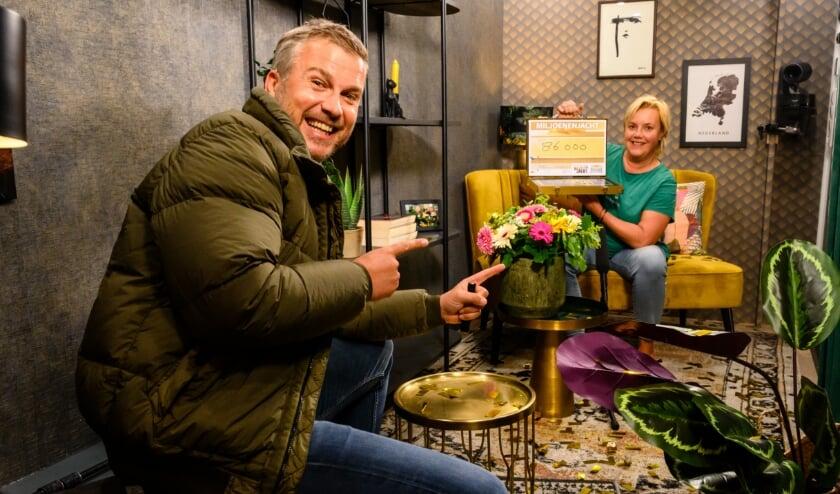 Pauline wint 86.000 euro als thuiswinnaar van Miljoenenjacht in de 'huiskamer op wielen'.
