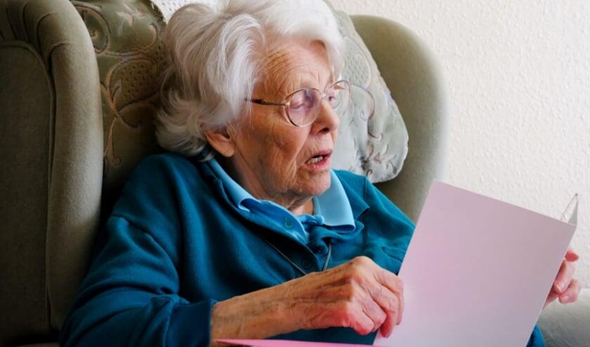 <p><strong>Zeker nu de donkere wintermaanden zijn aangebroken, voelen veel ouderen zich eenzaam.</strong></p>