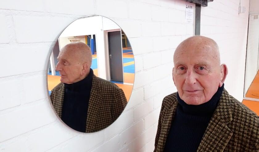 <p>Als geboren Vlaardinger kijkt voormalig judobondscoach Chris de Korte regelmatig in de spiegel om te constateren dat hij hard gewerkt heeft en geluk gehad. Foto: Joop van der Hor</p>