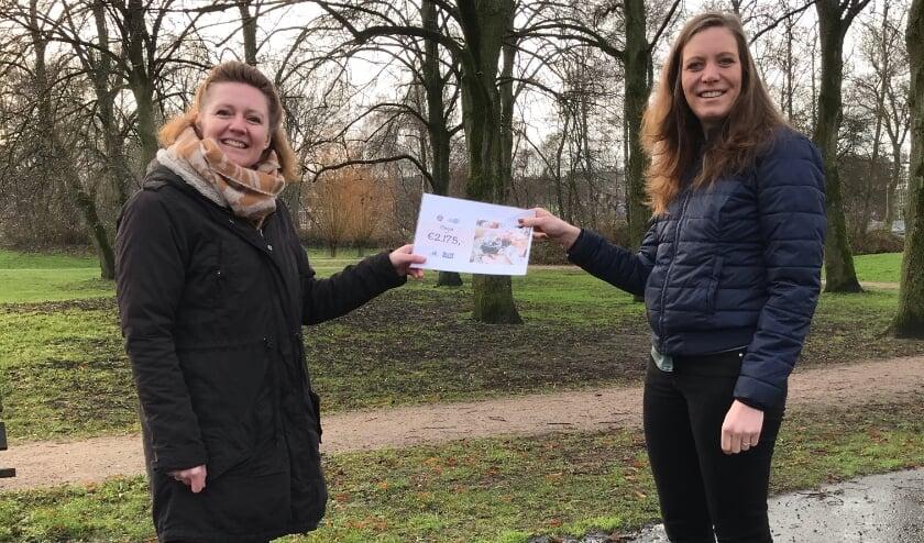 <p>Miriam van der Flier van Ladies&#39; Circle Zwolle en Eline Ploegman van Hart voor Zwolle.</p>