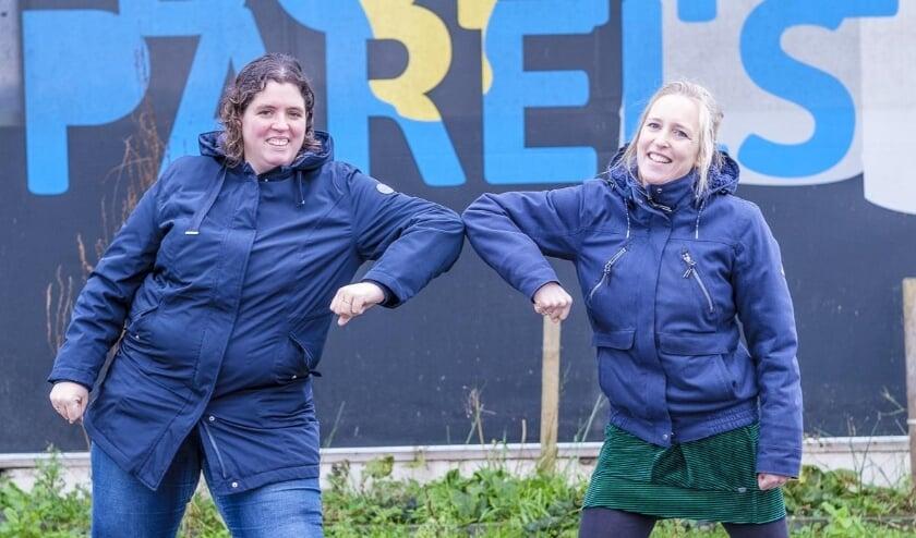 <p>Sarah (rechts) van Stichting Naburen en Christianne van Boerderij De Bonte Parels zetten samen de zorggemeenschap op.</p>