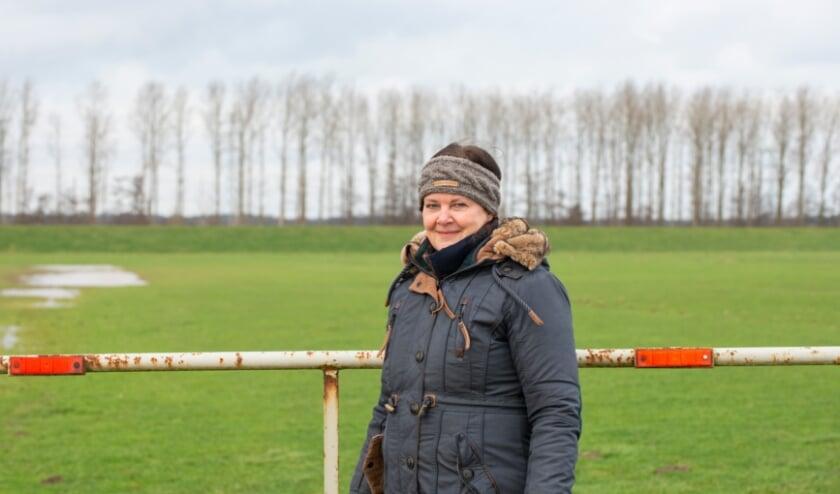 <p>De Wandeling van de week wordt deze keer gelopen met Willeke Kremer uit Veessen. &quot;Ik ben graag &eacute;&eacute;n met de natuur. Ik adviseer iedereen om dagelijks minimaal 20 minuutjes te gaan wandelen.&quot; Foto: Dennis Dekker, www.mediamagneet.nl</p>