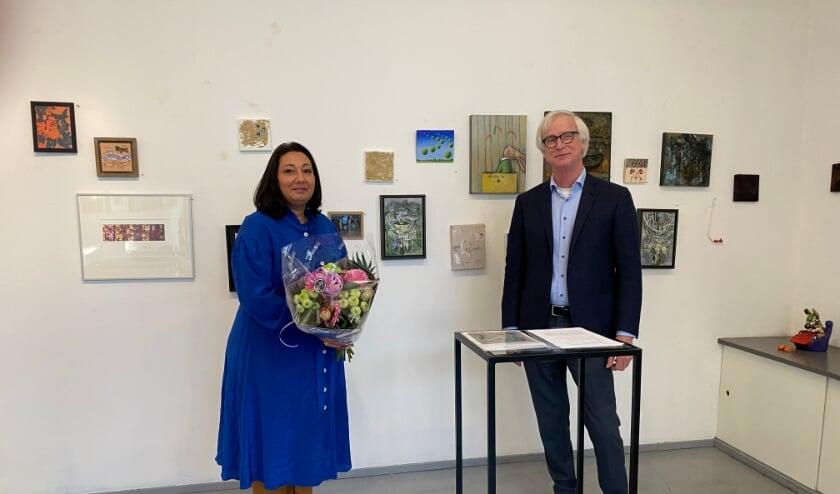 <p>Wethouder van welzijn, cultuur en onderwijs van de gemeente Rijswijk Johanna Besteman maakte samen met Arti-Shock voorzitter Alfons Harms de winnaars bekend van de Arti-Shock prijs 2020.</p>