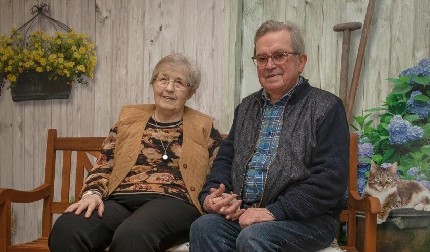 <p>Het echtpaar Vos - van der Giezen is zestig jaar getrouwd. (Foto: Wim Vos-WVFOTO)</p>