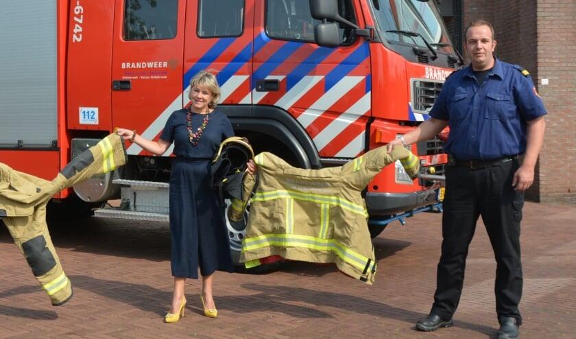 <p>Burgemeester Tanja Haseloop-Amsing en postcommandant René van der Heide zijn toe aan een eigentijdse kazerne.