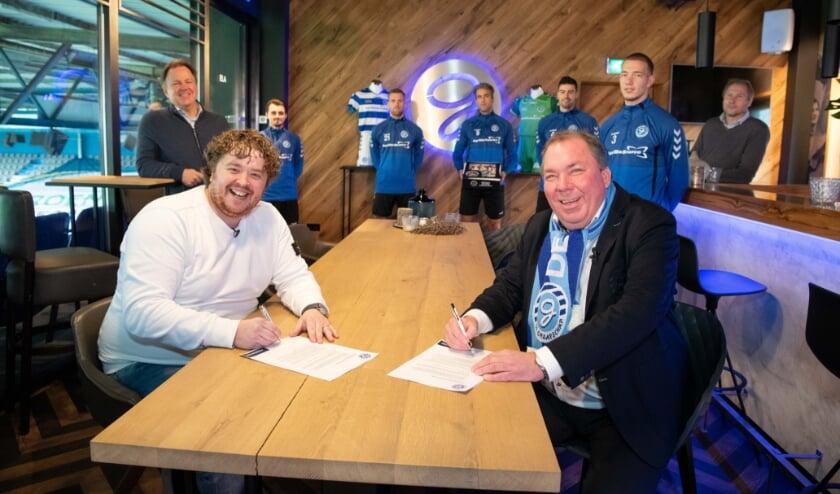 <p>De ondertekening van het contract.</p>
