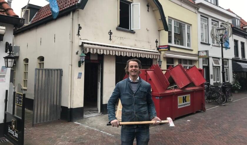 <p>Teun van Garderen wil inspireren, met o.a sprekers en muziek. Eerst moet er nog flink gesloopt en verbouwd worden. (foto: Marco Jansen)</p>