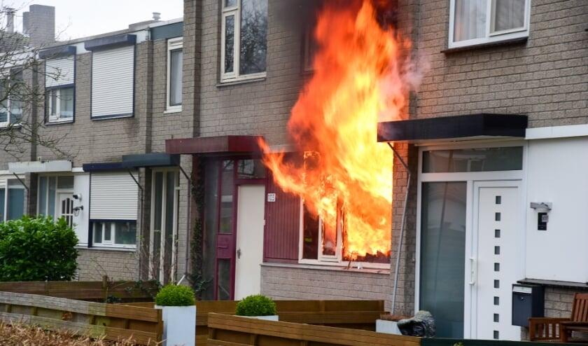 <p>Zaterdagmiddag 23 januari rond 15.20 uur is brand ontstaan in de keuken van een woning aan de Bijster in Hoogvliet Rotterdam.&nbsp;</p>