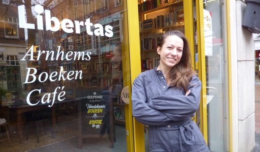 <p>Eigenaar Carmen van Deuren: 'We hebben een paar maanden een echt café kunnen zijn. Er is een community ontstaan. Zo leuk!'</p>