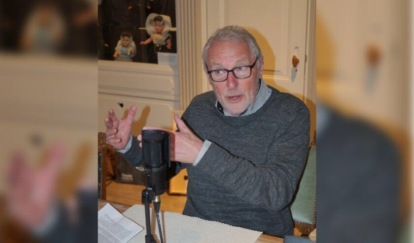 <p>Frans C&ouml;llen in gesprek met Willem Eekhof. (Foto: Nico Kars)</p>