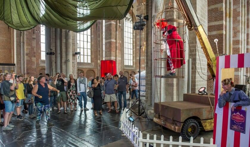<p>Theater Gajes uit Deventer gebruikt de theaterfaciliteiten van de pooldepots. &nbsp;</p>